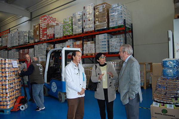 La Diputación colabora con el Banco de Alimentos en el reparto de comida en dieciséis municipios