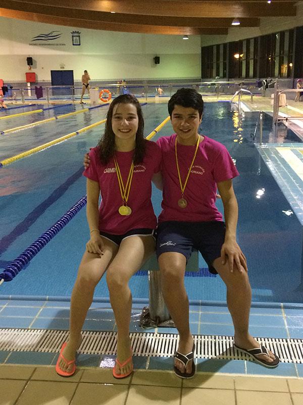 Carmen López se cuelga tres medallas en el Campeonato regional de natación