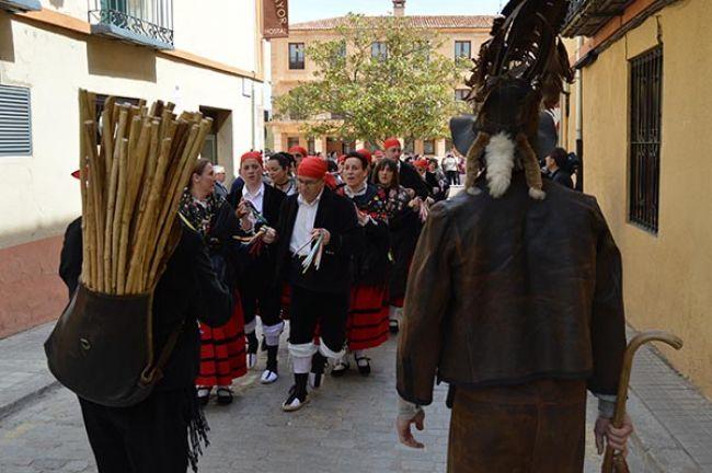 Almazán rinde tributo a dos siglos de zarrones