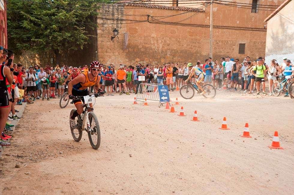 Almazán demuestra su potencial en su cita más importante de triatlón