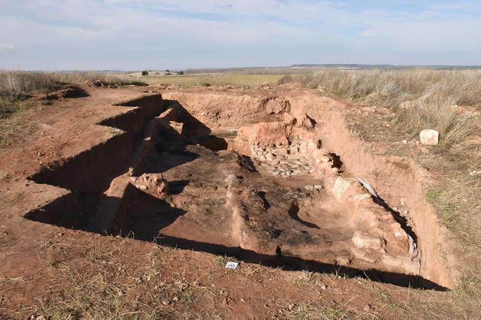 Documentada una vivienda en el yacimiento arqueológico de Ciadueña