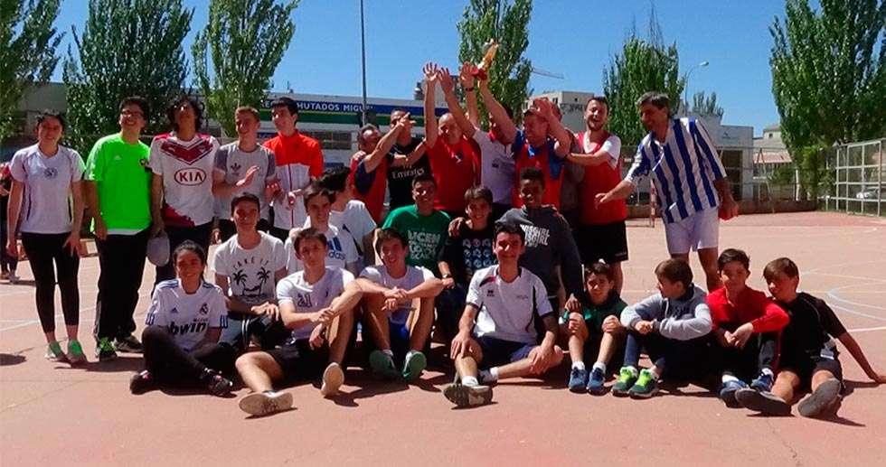 Un torneo de fútbol para combatir el hambre