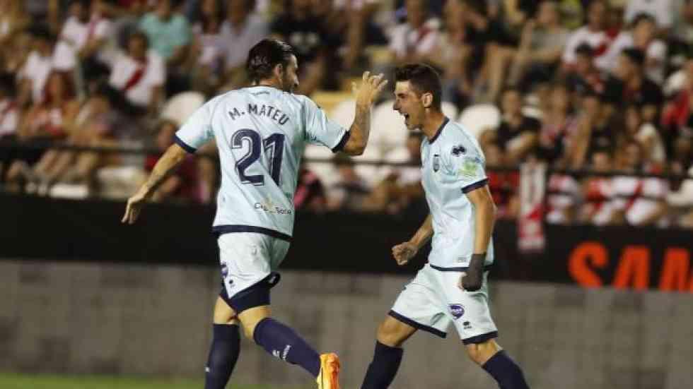 El Numancia remonta en Vallecas hasta el empate (2-2)