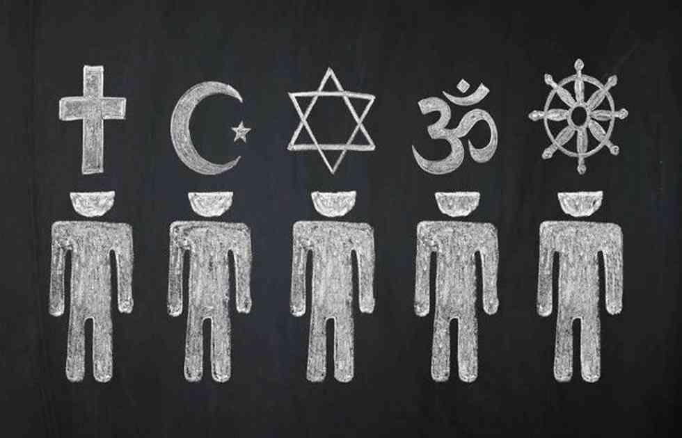 Podemos pide reducir al mínimo las clases de religión