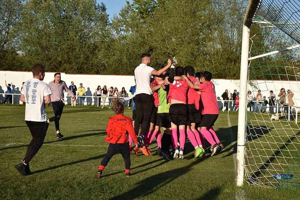 Mínguez da la Copa Diputación al Calasanz