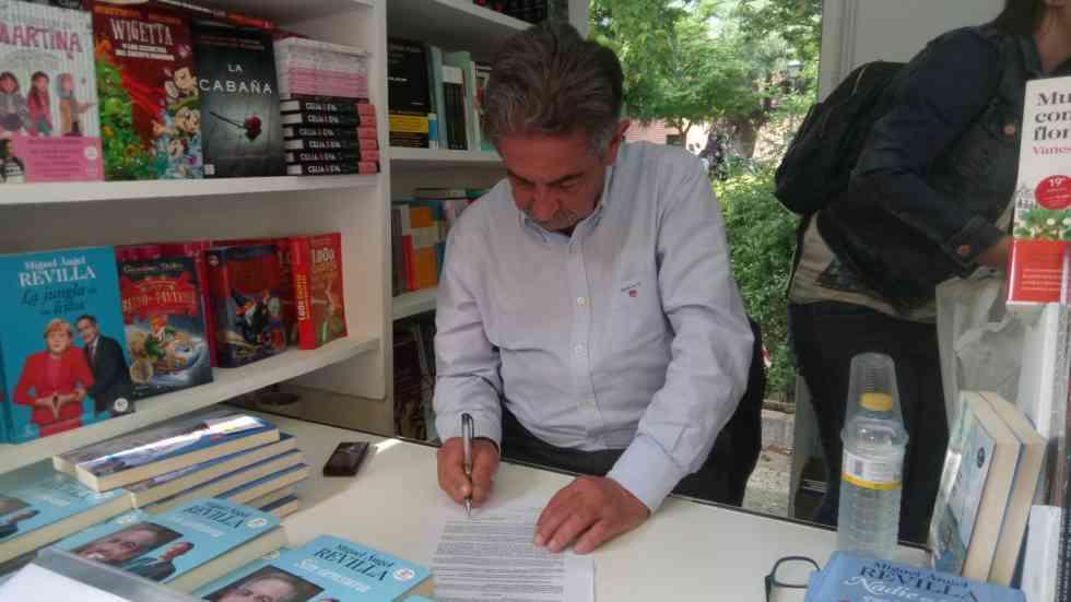 Miguel Ángel Revilla, contra la granja de Andaluz