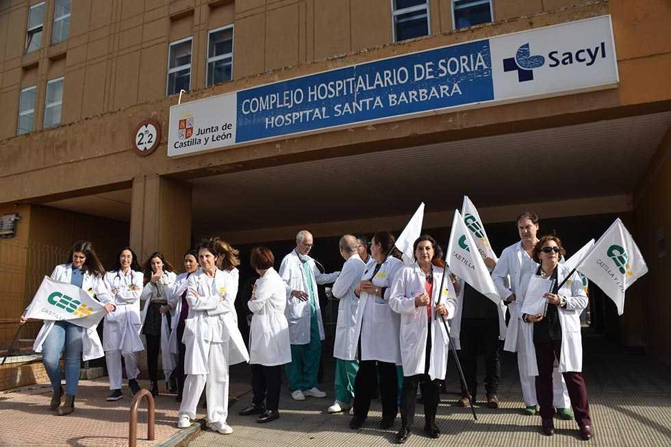 """Los médicos piden mejorar la """"caótica situación"""" de la sanidad"""