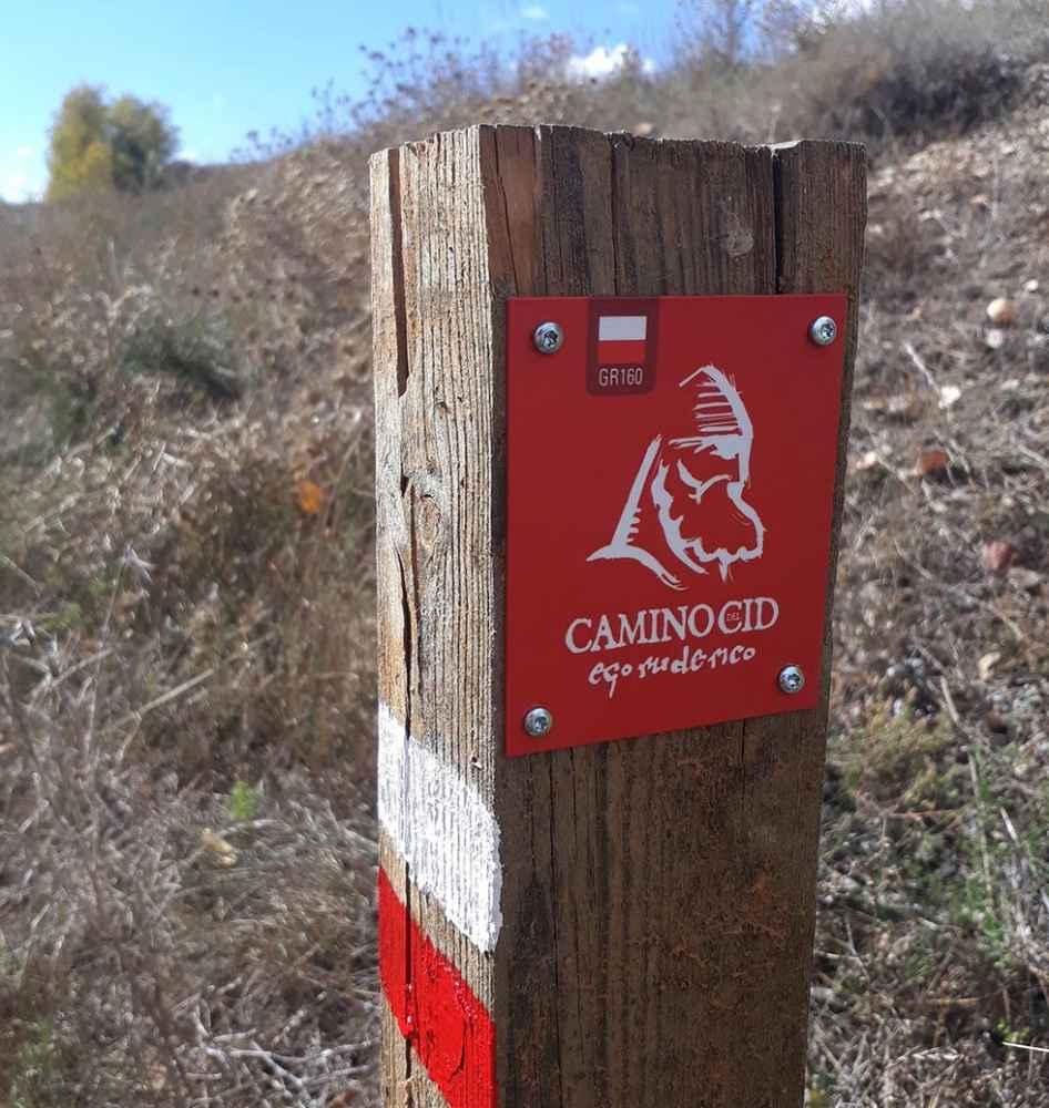 El Camino del Cid advierte a senderistas en tramos por carretera