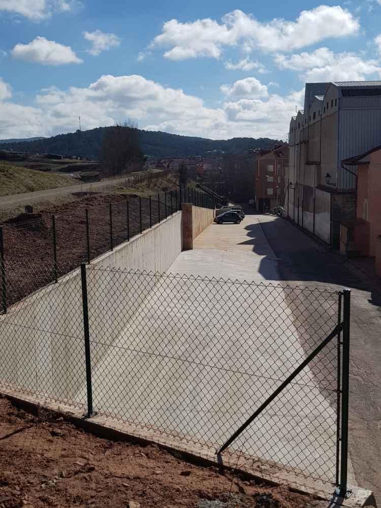 Ampliados los aparcamientos en San Leonardo de Yagüe