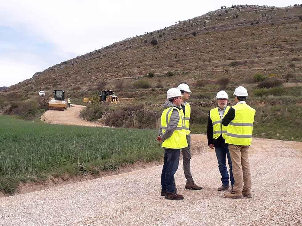 El Gobierno continúa con obras de mejora en caminos rurales