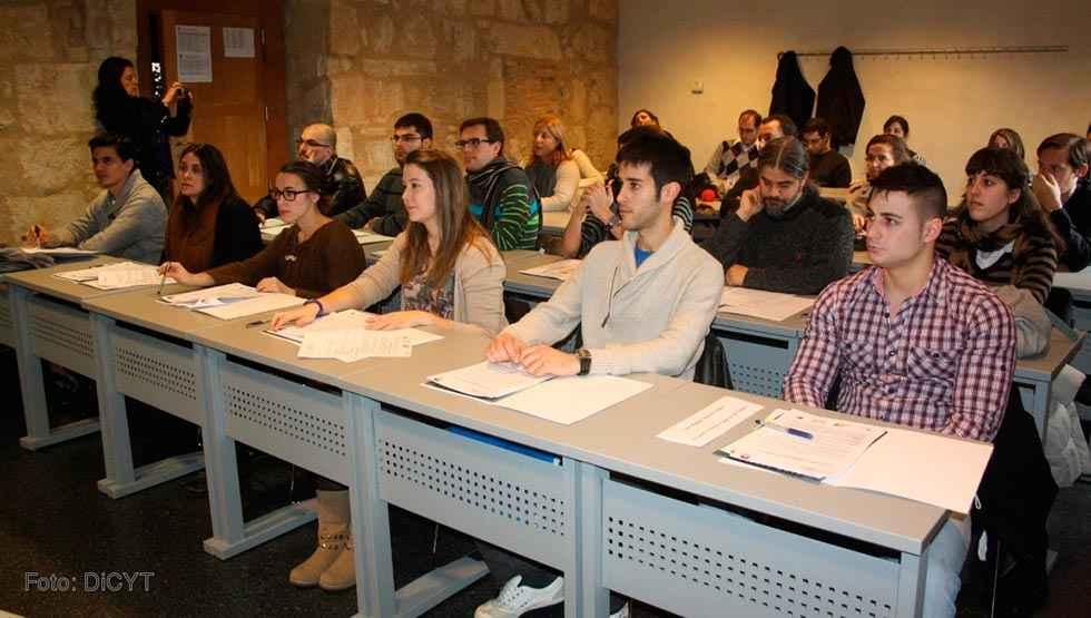 Castilla y León, la comunidad que más jóvenes universitarios exporta