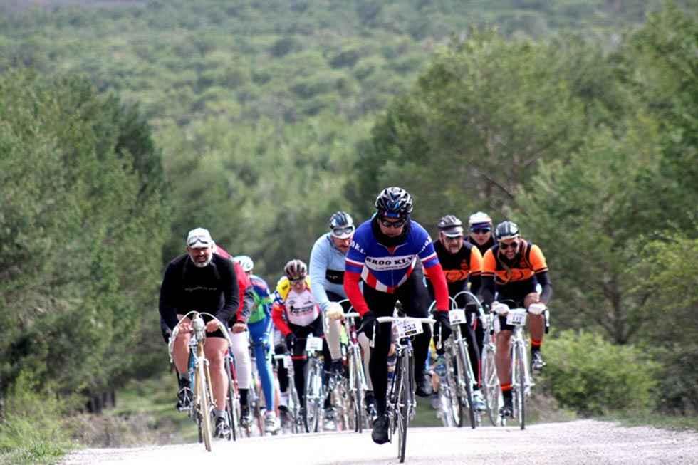 La Histórica de Abejar rememora el ciclismo clásico