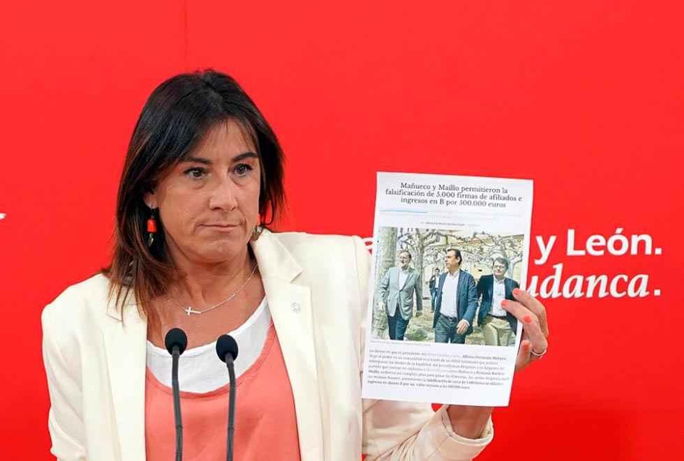 El PSOE siembra dudas sobre Mañueco y el PP advierte de acciones legales