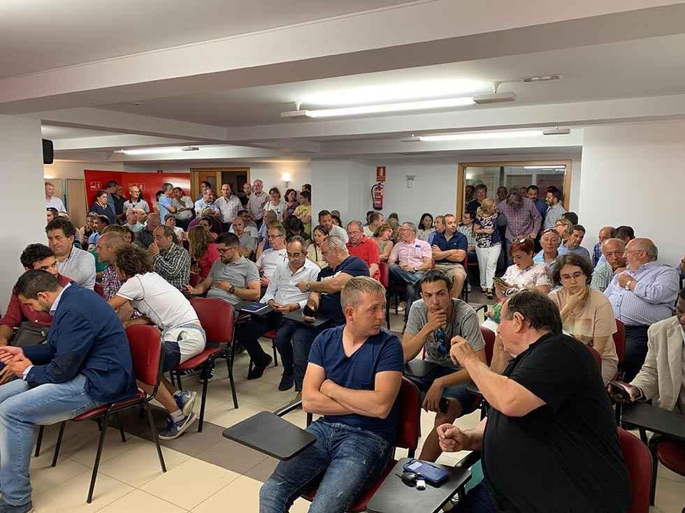 El PSOE renueva cinco de sus doce diputados provinciales