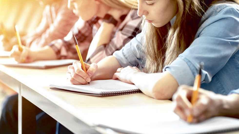 Casi 900 estudiantes se examinan de EBAU en julio
