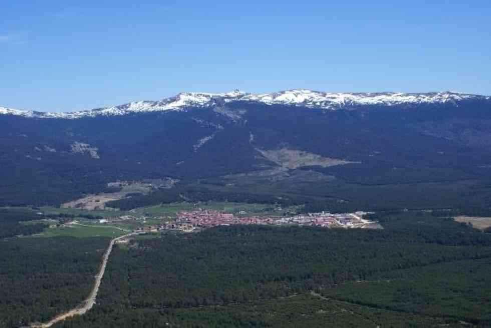 La Diputación inaugura la vía ferrata de Duruelo de la Sierra