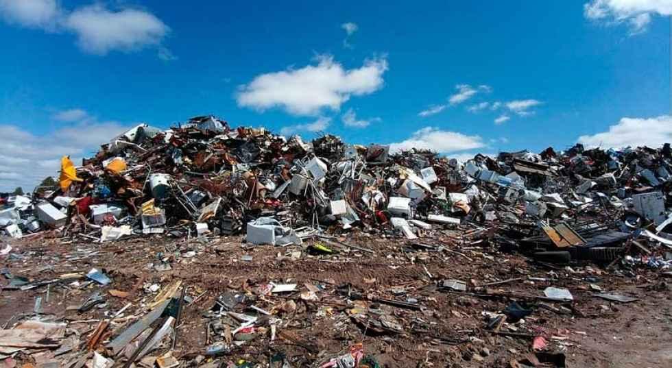 La Junta licita dos proyectos para sellar 150 escombreras en la provincia