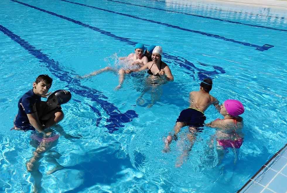 ASPACE insta a cumplir normativa sobre accesibilidad en piscinas