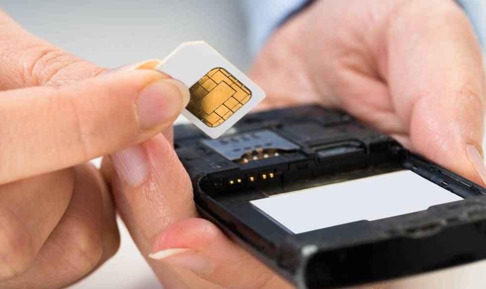 Detenido un hombre por estafar 90.000 euros con duplicado de tarjeta SIM