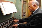 Concierto del organista Adalberto Martínez, a favor de Manos Unidas