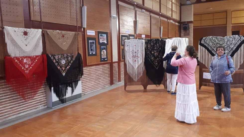 Exposición de mantones de Manila en El Royo