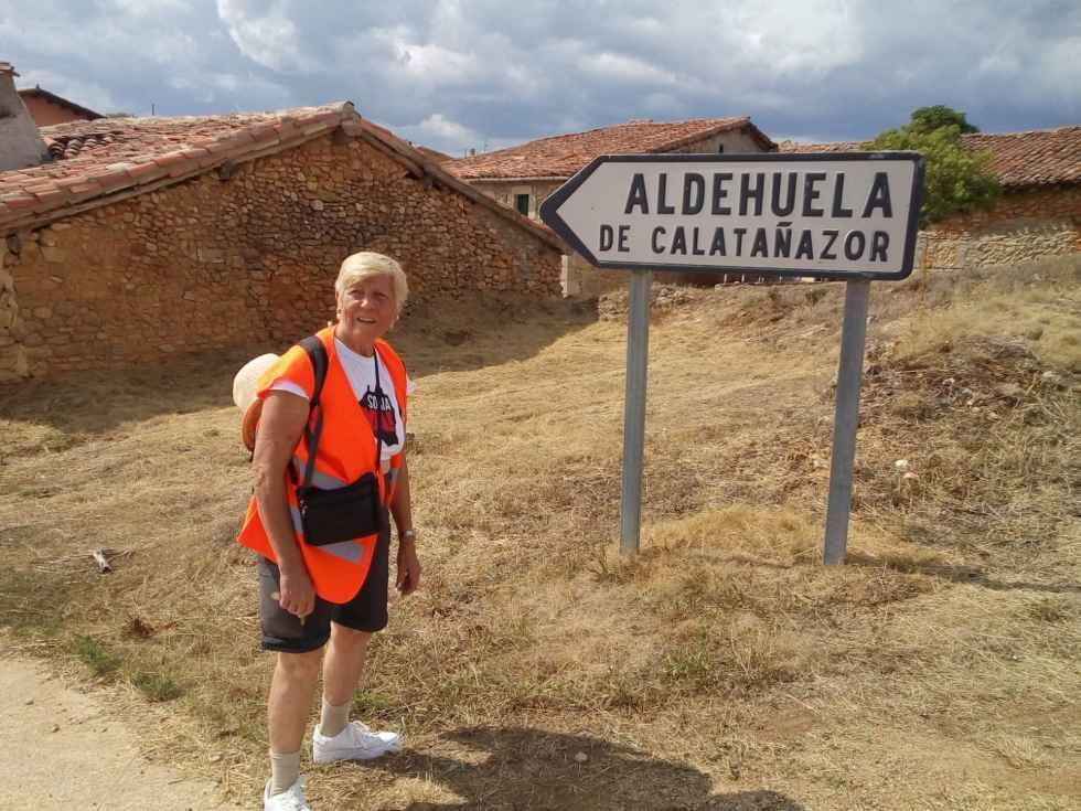 Juan Antonio y Caty completan la mitad de la caminata entre Soria y Aranda