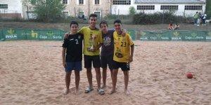 El Torrezno Mecánico, ganador del II Torneo de Balonmano Playa