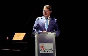 Mañueco anuncia medidas para mejorar servicios de extinción de incendios