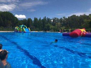 Almazán prolonga la apertura de sus piscinas de verano
