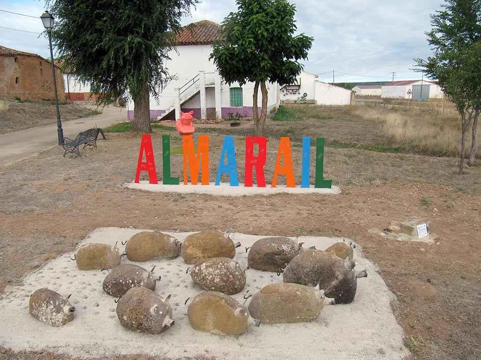 Almarail culmina su rincón de homenaje al cerdo