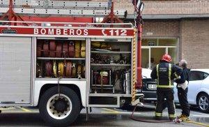 Una persona inhala humo en incendio de vivienda en Soria