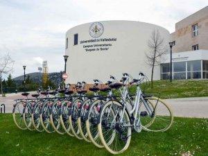 El campus presta bicicletas de forma gratuita a alumnos y personal