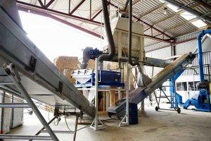 Licitado un remolque autocargador para biomasa para el CEDER