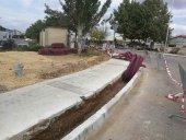 Las nuevas aceras del polígono Las Casas se vuelven a levantar para meter fibra