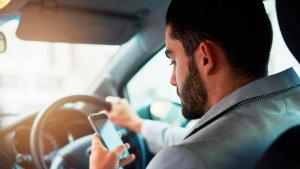 Denunciados 44 conductores en Soria por distracciones