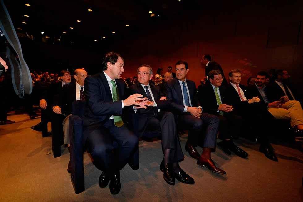 """Mañueco: """"el primer paso del desafío digital es la banda ancha de alta velocidad"""""""
