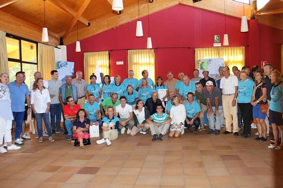 Ganadores del III Torneo Benéfico de Golf a favor de AECC