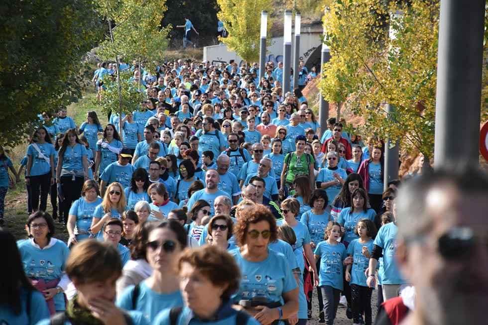 Diez mil personas caminan contra el cáncer en Soria