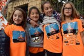 Quinientos escolares sensibilizan contra el cáncer infantil