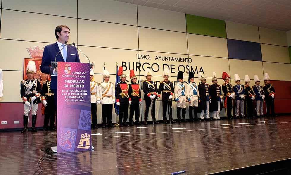 Suárez Quiñones resalta la profesionalidad de los policías