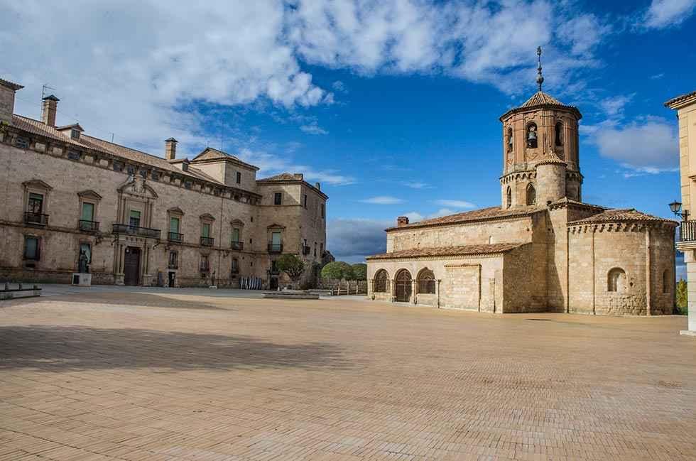 Las oficinas de turismo atienden a 236.893 visitantes