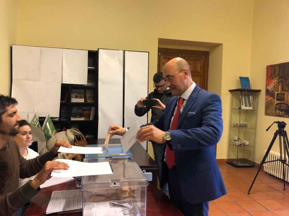 PP y PSOE se reparten los escaños en Senado