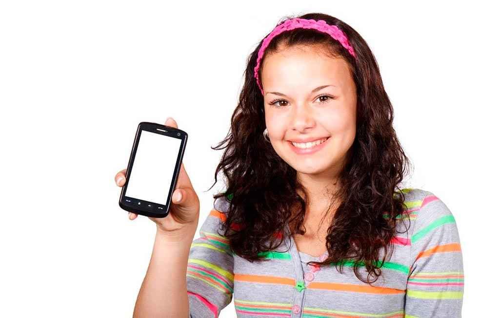 Decálogo para un uso responsable del móvil en menores