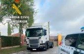 Detenidas tres personas por robar un camión