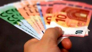 El salario mensual bruto es de 1.843 euros en la Comunidad