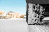 Aviso para conductores: vigile los neumáticos de sus vehículos