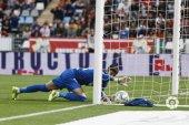 El Almería corta la racha positiva del Numancia