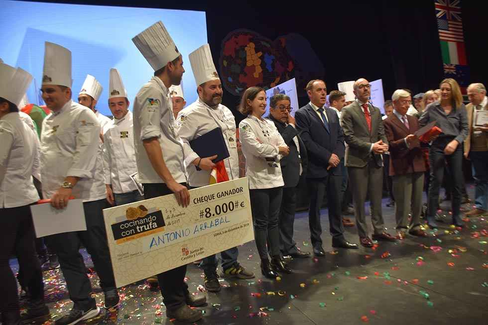 """Antonio Arrabal gana el II concurso """"Cocinando con trufa"""""""