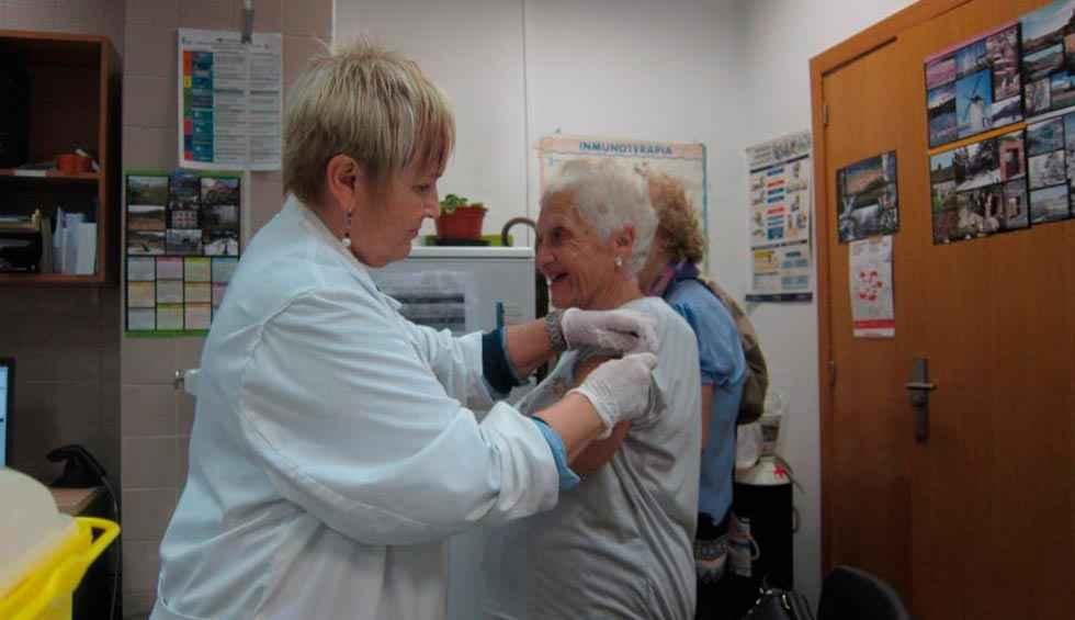 La mitad de los mayores se han vacunado contra la gripe