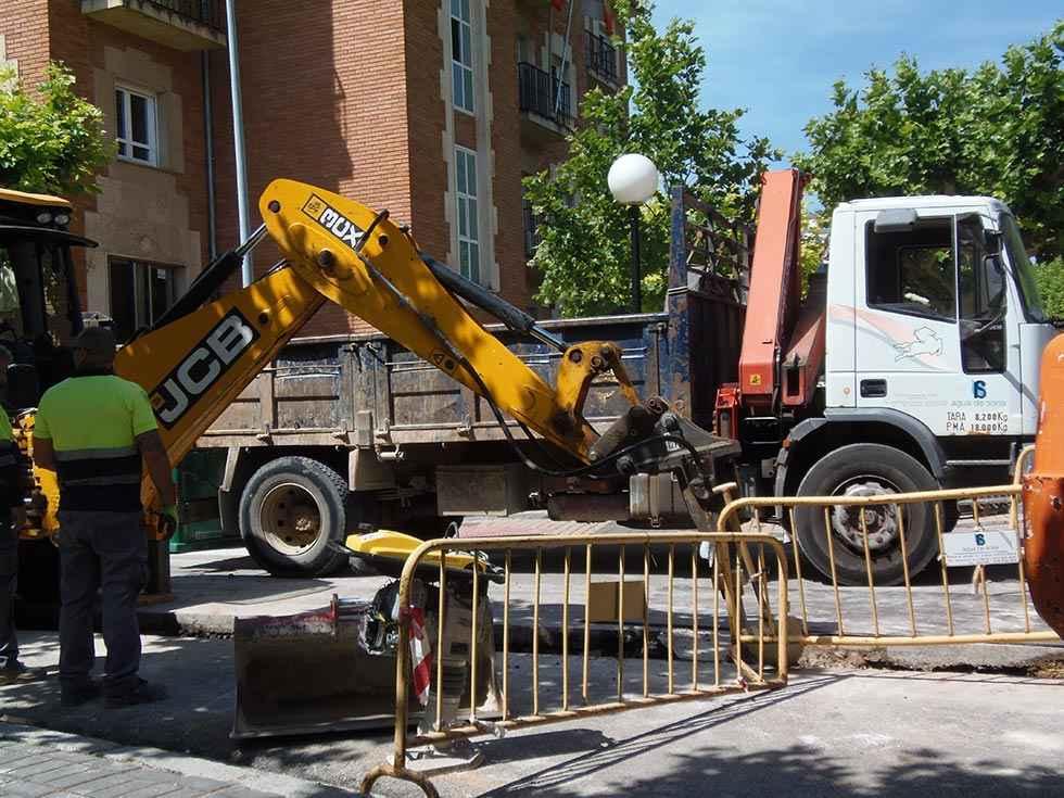 Agua de Soria sustituye imbornales en polígono Las Casas